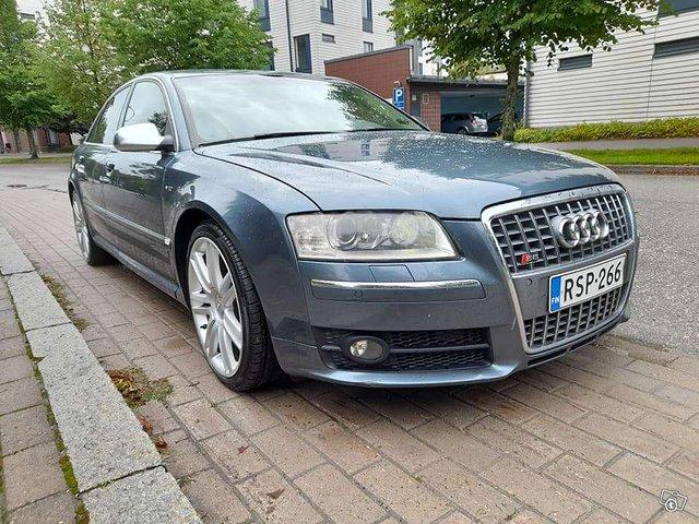 Audi S8 6