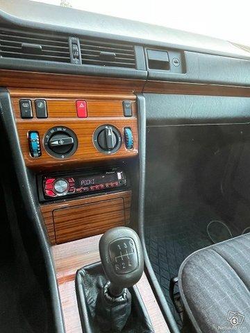Mercedes-Benz 250 3