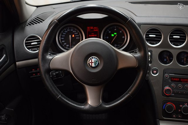 Alfa Romeo 159 18