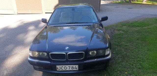 BMW 7-sarja 8