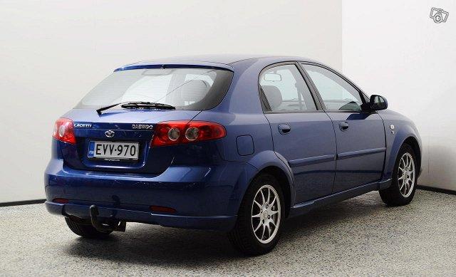 GM Daewoo Lacetti 5