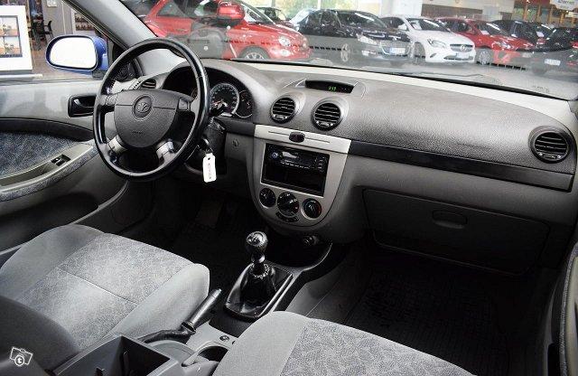 GM Daewoo Lacetti 11