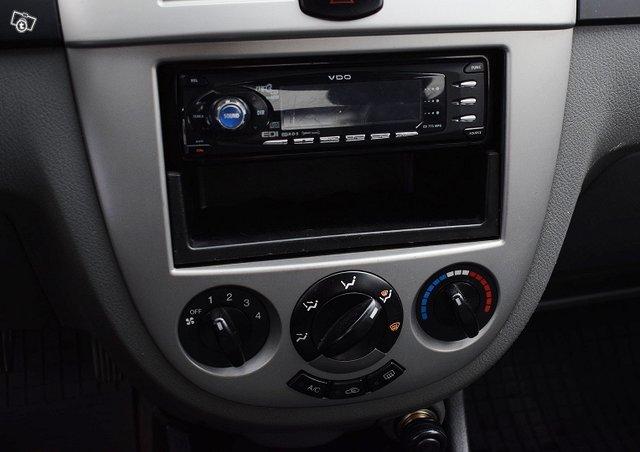 GM Daewoo Lacetti 12