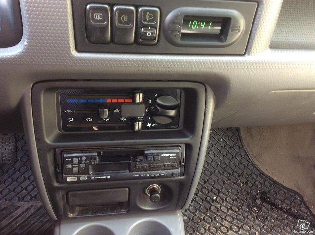 Mazda Demio 13