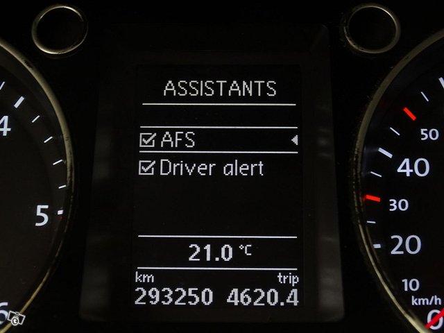 Volkswagen Passat 25
