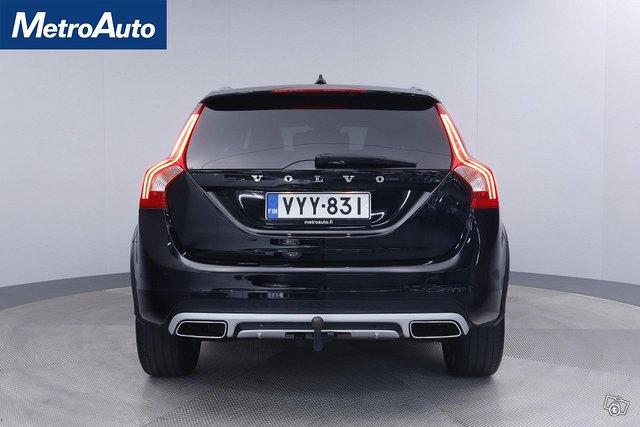 Volvo V60 Cross Country 6