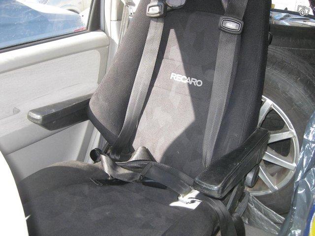 Hyundai Trajet 11