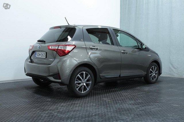 Toyota YARIS 4