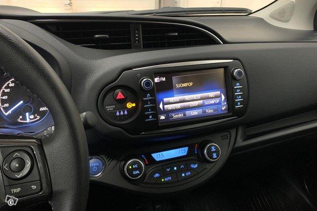 Toyota YARIS 22