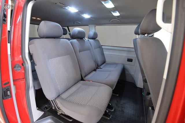 Volkswagen Caravelle 13