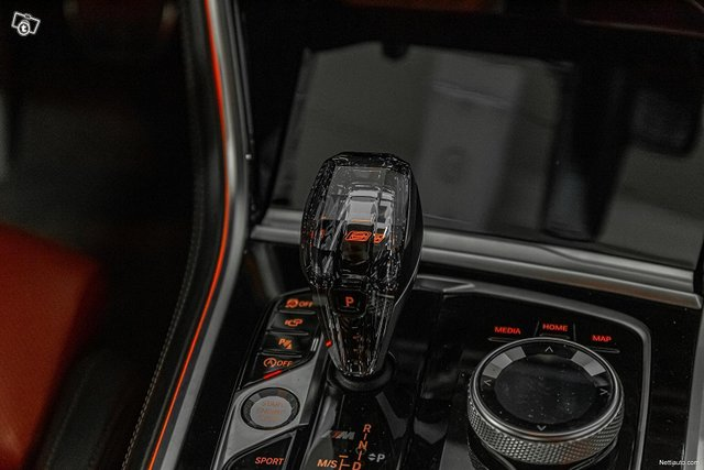 BMW M850i 21
