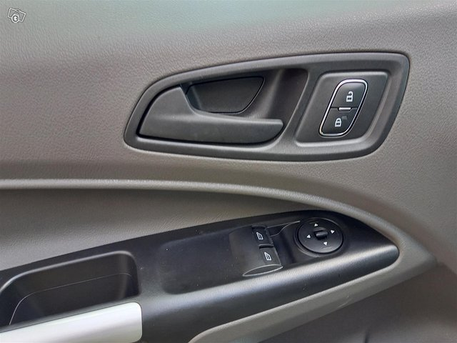 Ford Transit Connect 9