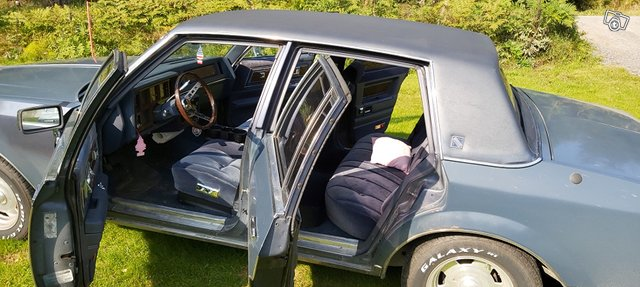 Buick Regal 6