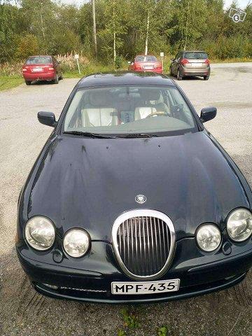 Jaguar S-Type 4