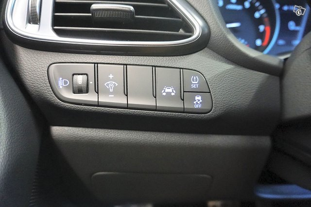 Hyundai I30 Fastback 16