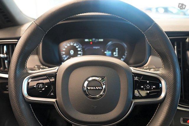 Volvo S90 11