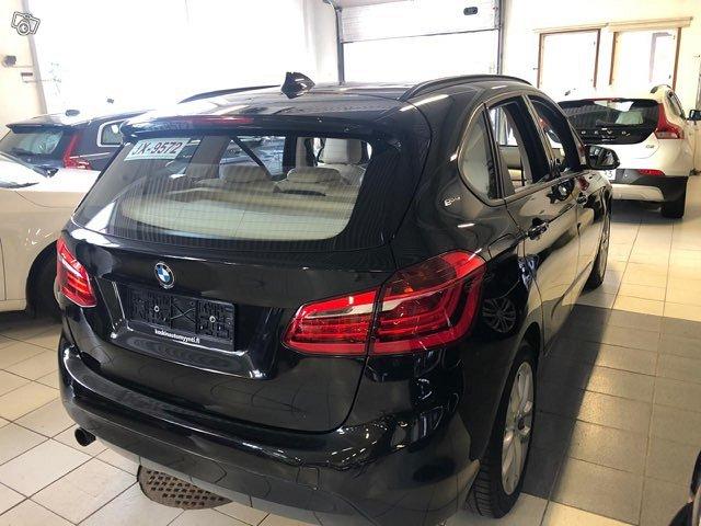 BMW 225 Active Tourer 4