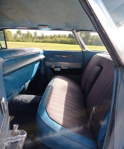 Cadillac Series 62 10