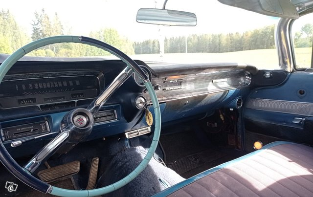 Cadillac Series 62 11