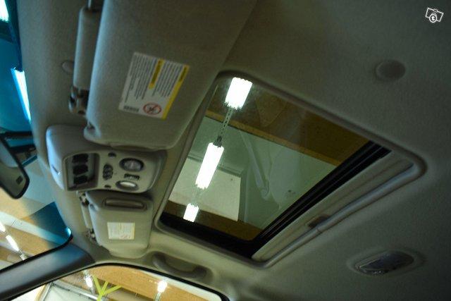 Chevrolet Suburban 19