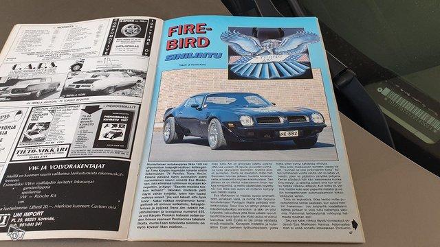 Pontiac Firebird 11