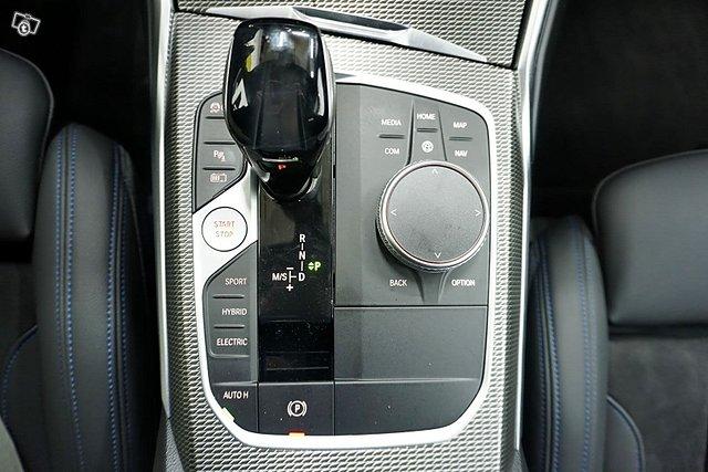 BMW 330 21