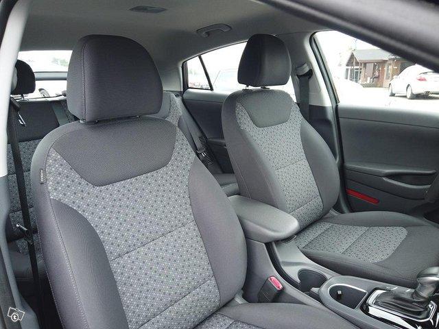 Hyundai Ioniq Plug-In 11