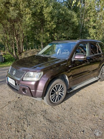 Suzuki Grand Vitara, kuva 1