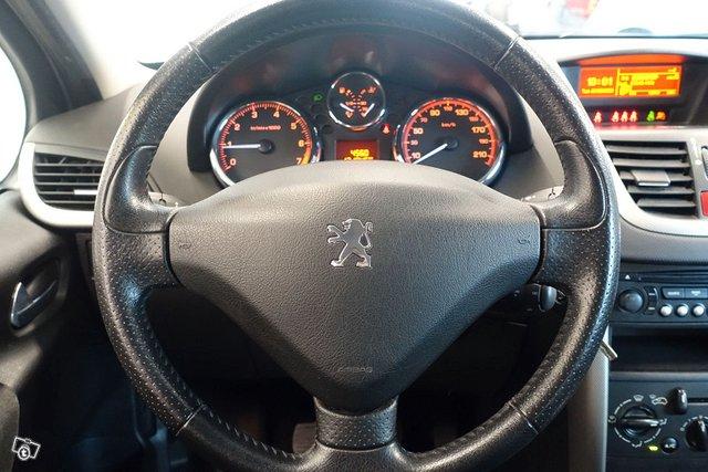Peugeot 207 13