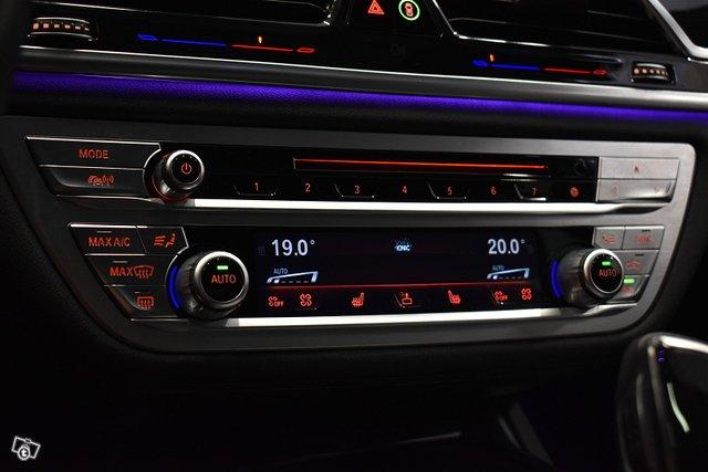 BMW 740 24