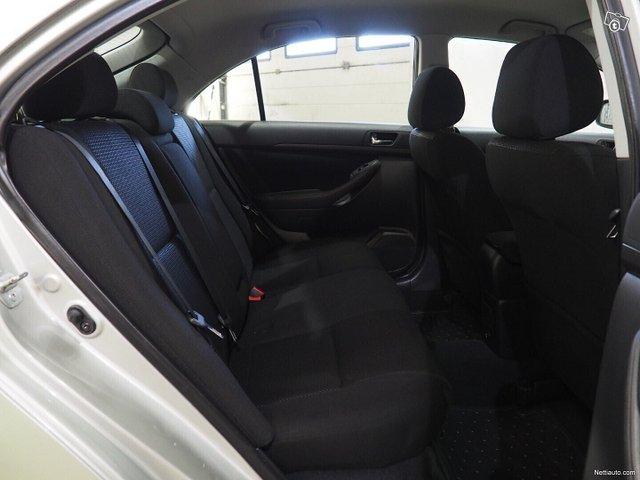 Toyota Avensis 10