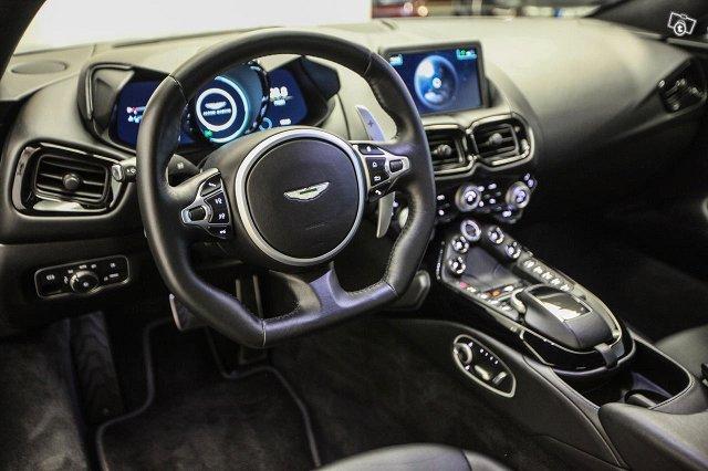 Aston Martin V8 Vantage 10