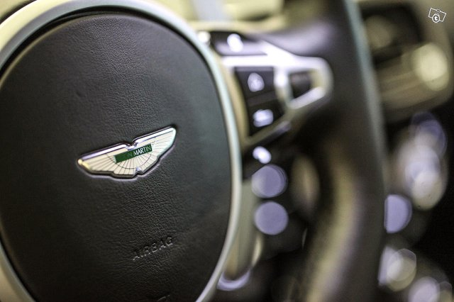 Aston Martin V8 Vantage 24