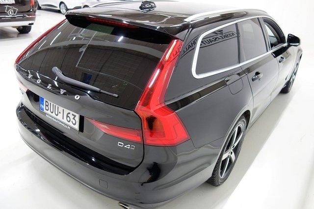 Volvo V90 6