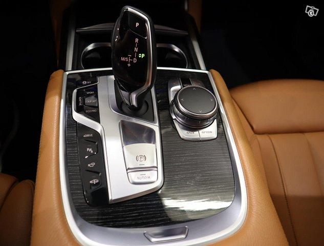 BMW 740 14