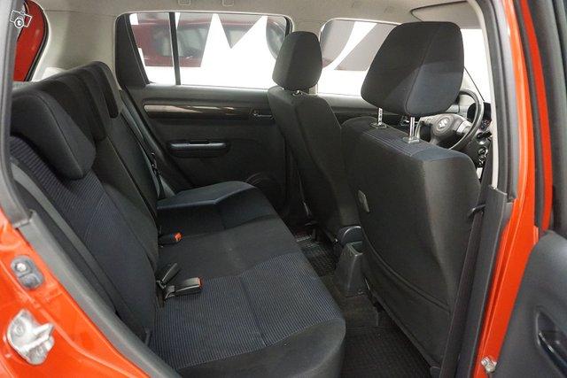 Suzuki Swift 16
