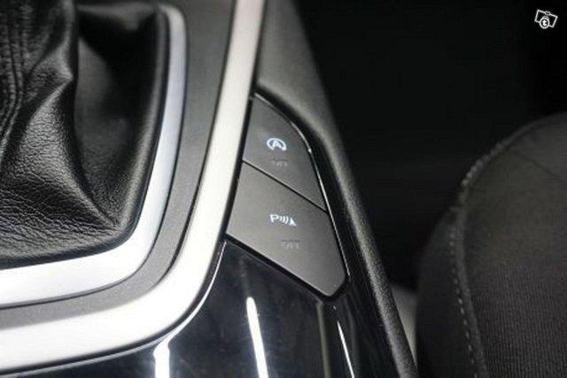 Ford Galaxy 19