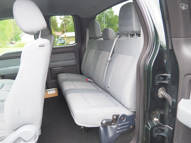Ford F150 8