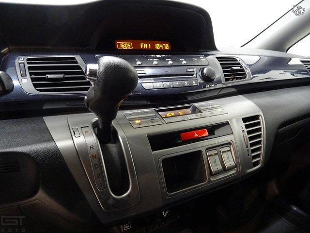 Honda FR-V 14