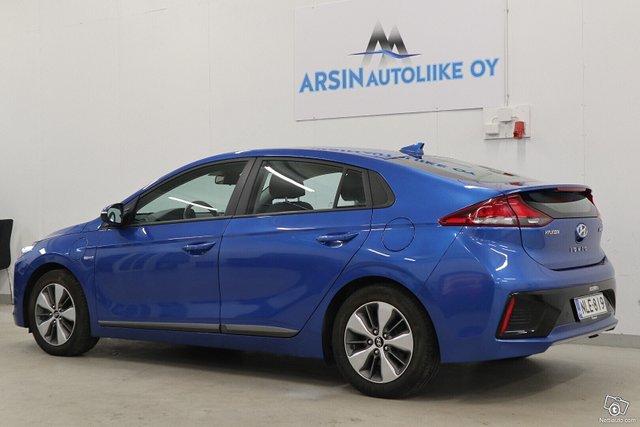 Hyundai Ioniq Plug-In 3