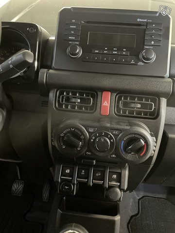 Suzuki Jimny 14