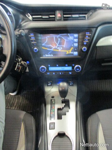 Toyota Avensis 12