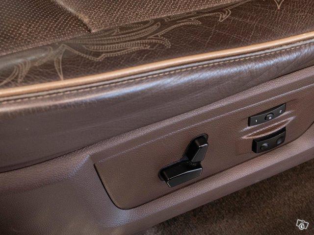 Dodge RAM 21