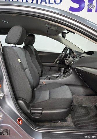 Mazda 3 8