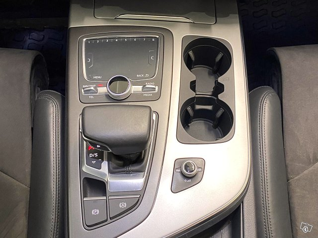 Audi Q7 21