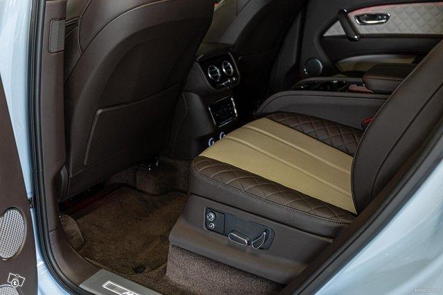Bentley Bentayga 23