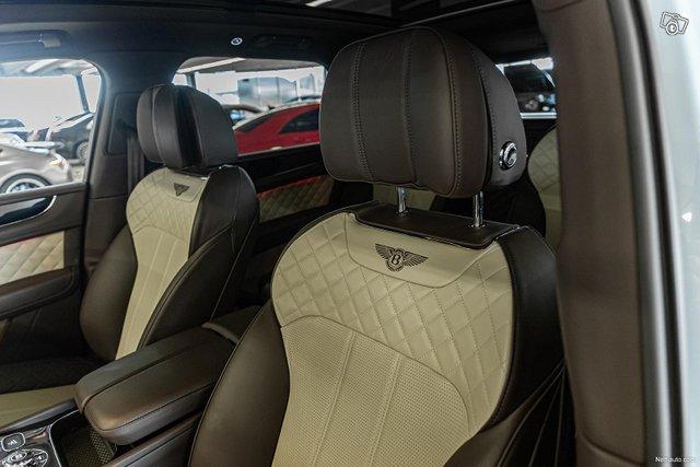 Bentley Bentayga 25