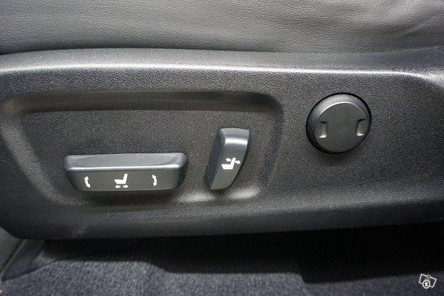 Lexus RX 23