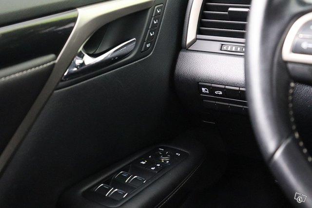 Lexus RX 24