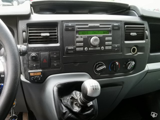 Ford Transit 350M 9
